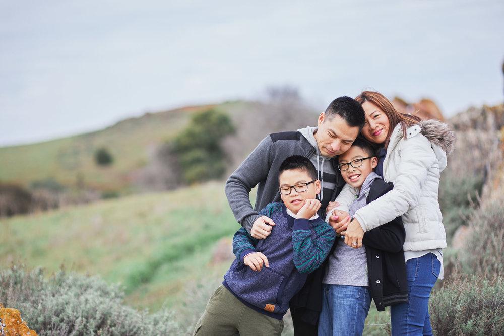 12-11-16_0523_chan_family.jpg