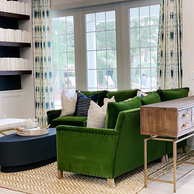 Can y'all believe how some fresh paint, wall covering, the right furnishings and bold color can transform a space? Swipe right to see BEFORE -  @druckerfalk #multifamily #multifamilydesign #apartmentliving