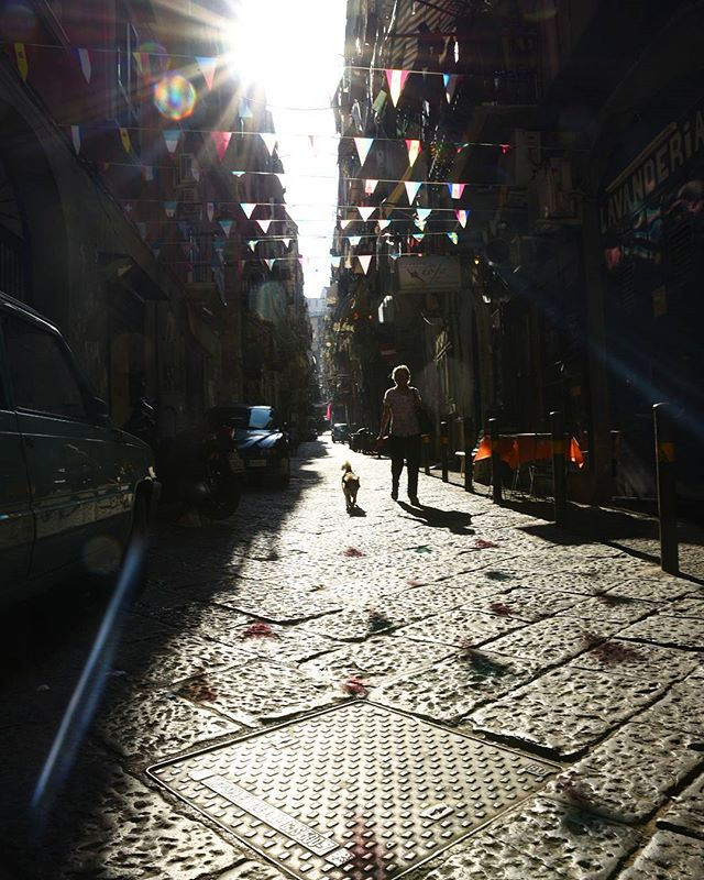 The streets of the Spanish Quarter, Naples ❤️🇮🇹 . . . . . .  #instatravel #mytinyatlas #tlpicks #bbctravel #traveldeeper #forbestravelguide #fodorsonthego #wearetravelgirls #passionpassport #wanderlust #lonelyplanet #ladolcevita#travelgram #lovetravel #fradonoinnaples #seetheworld  #justdoit #goshoot #travelphotographer #travelphotography#naples #italy #quartierispagnoli