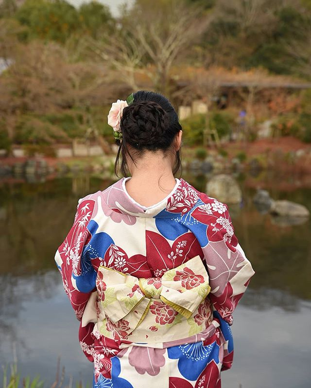 Hello Kyoto #japan . . . . . . #mytinyatlas #travellerslife #traveldeeper#ladolcevita #beautifulplaces #seetheworld #travelphotographer #girlslovetravel #traveladdict #travelblogger #welltraveled #wearetravelgirls #fradonoinkyoto #globetrotter#beautifulmatters #neverstopexploring #geisha #wonderful_places #awesomepix #places_wow #stayandwander #iamatraveler #adventureisouthere #letsgosomewhere #beautifuldestinations#fradonoinjapan #maruyama #kyoto #photographerforhire