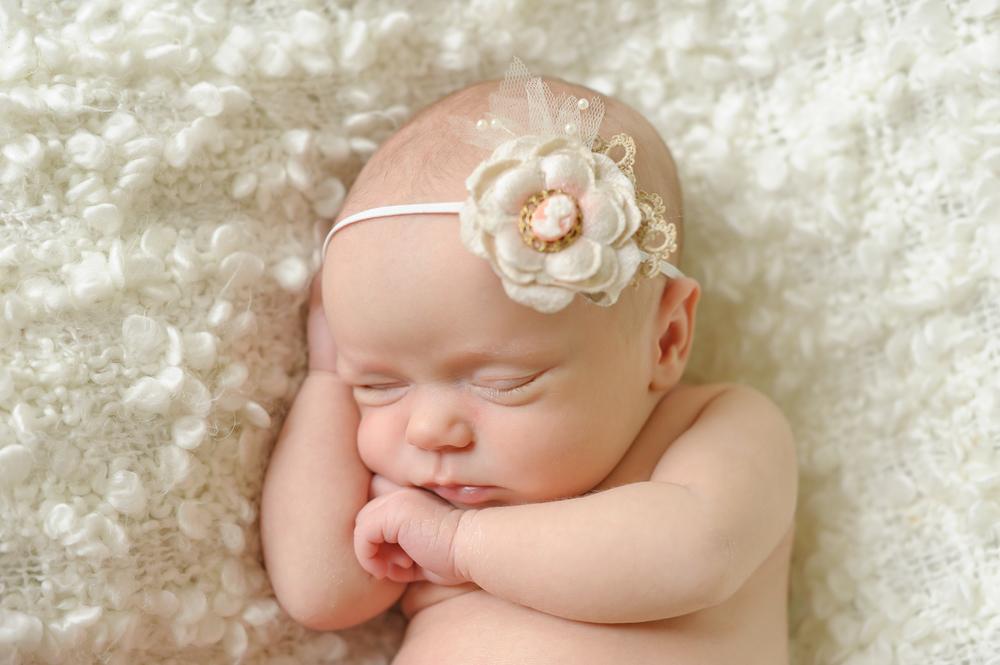 Amelia Newborn-24.jpg