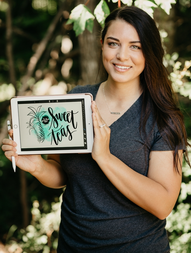 Meet Alyssa. Owner of Palm Trees to Sweet Teas, hand-letterer, and stay at home mom.