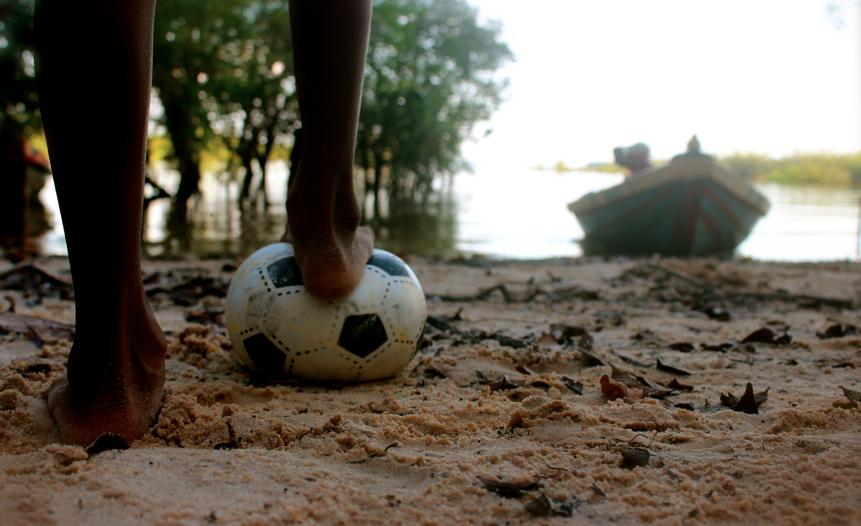 Futebol na beira do Arapiuns