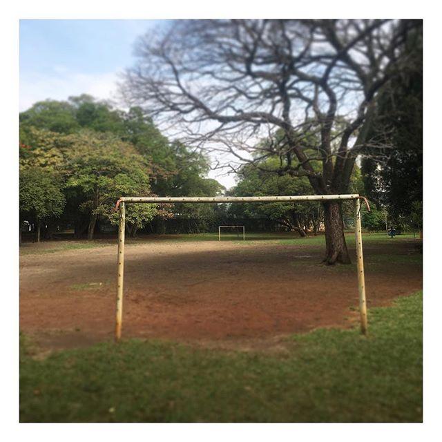 Diretamente do Ibira! Campinho no meio da selva de pedras. 📷 @fmofelipe 🍀⚽️ #GingaFc #Campinho #Futebol #Terrao #Bola #Pelada #varzea #saopaulo #ibira #Brasil