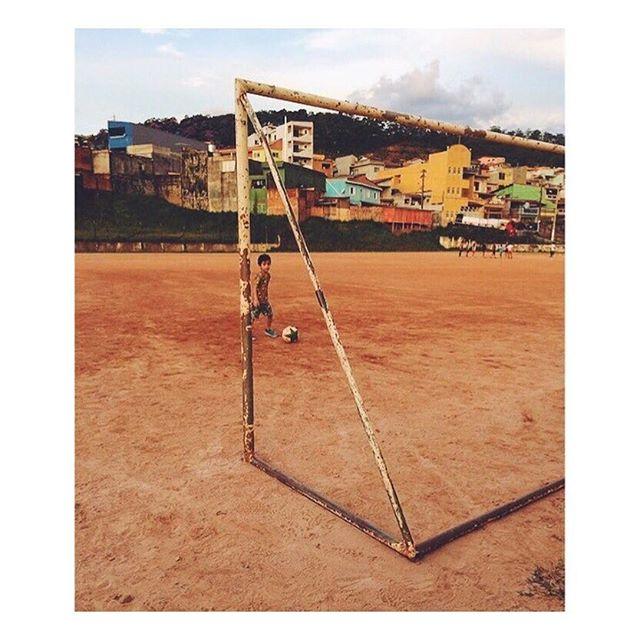 """O bom e velho """"terrão"""". Foto do parceiro @luccas.football #GingaFc #Futebol #Bola #Terrao #Campinho #Varzea #SaoPaulo #Brasil"""