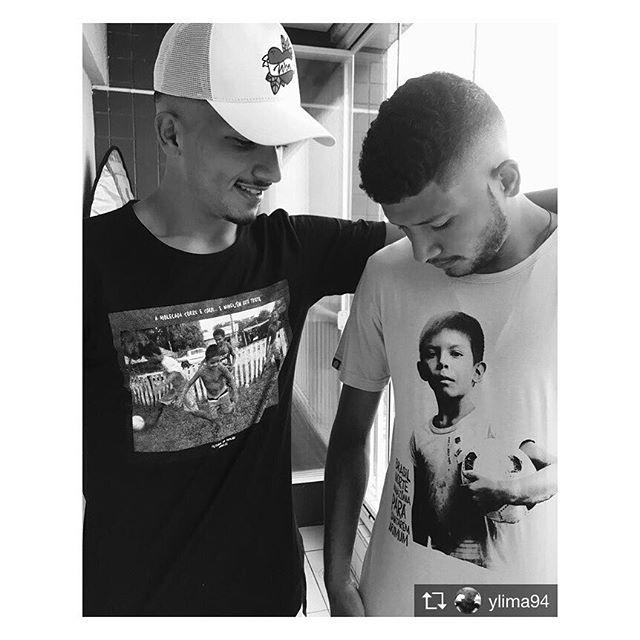 Um salve pra vcs @ylima94 e @yanlimao obrigado por estarem juntos neste movimento. Tamo junto! #repost @ylima94 Nós literalmente, entramos para o  time da @ginga.fc Um movimento social que criou sua primeira coleção de camisetas sustentáveis e ecológicas depois de uma expedição pelas comunidades ribeirinhas do Pará. Essas camisetas estão à venda e toda a receita será revertida para o projeto #FutebolNoTapajos