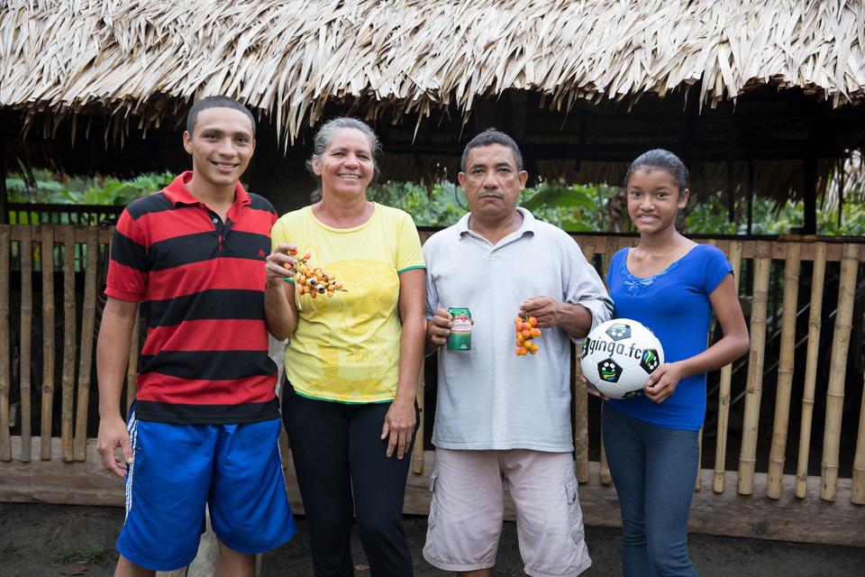 Ginga.Fc  e  Guaraná Antarctica  em ação de parceria sobre reciclagem e futebol. Iniciativas que ajudam a preservar o meio ambiente e contribuir com a prática esportiva em diversas comunidades pelo Brasil.    Foto: Felipe Panfili