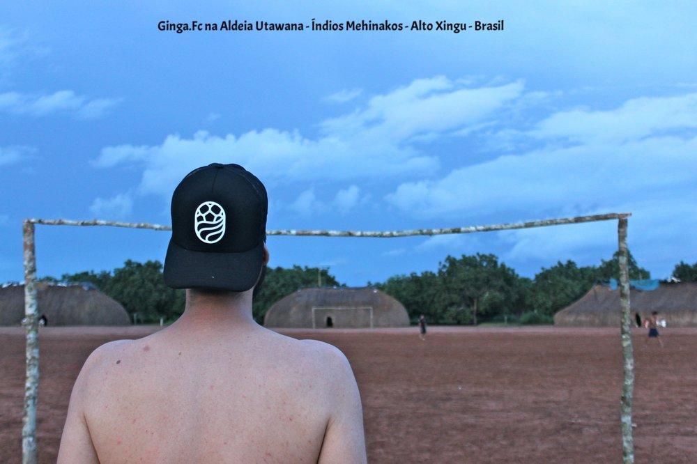 Aldeia Utawana. - Nossa primeira experiência no Xingu aconteceu em parceria e conexão com os índios nativos Mehinakos. Foram 10 dias de imersão estabelecidos na Aldeia Utawana, onde vivem cerca de 200 indígenas. Aqui neste post contamos um pouco das experiências, impressões e expressões em torno do futebol no dia a dia da aldeia.