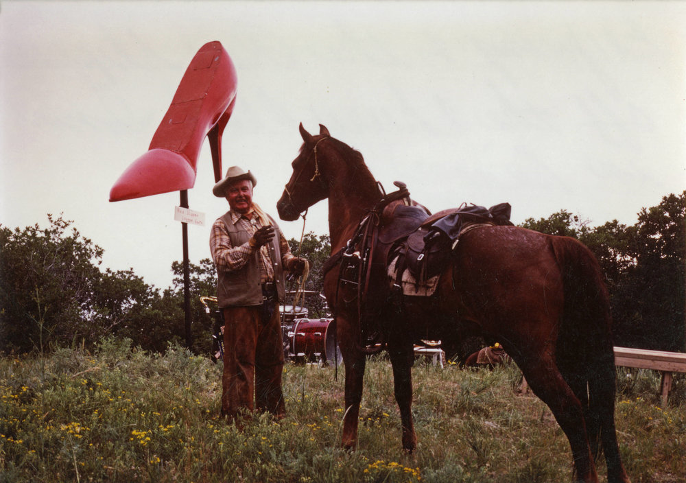 Ed_Young_and_the_Red_Slipper_with_St_Peter_Bell_Mountain_Ranch.jpg
