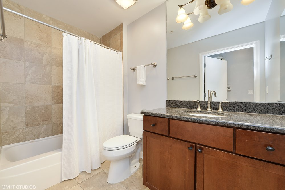 11_845Kingsbury_Unit411_8_Bathroom_HiRes(1).jpg