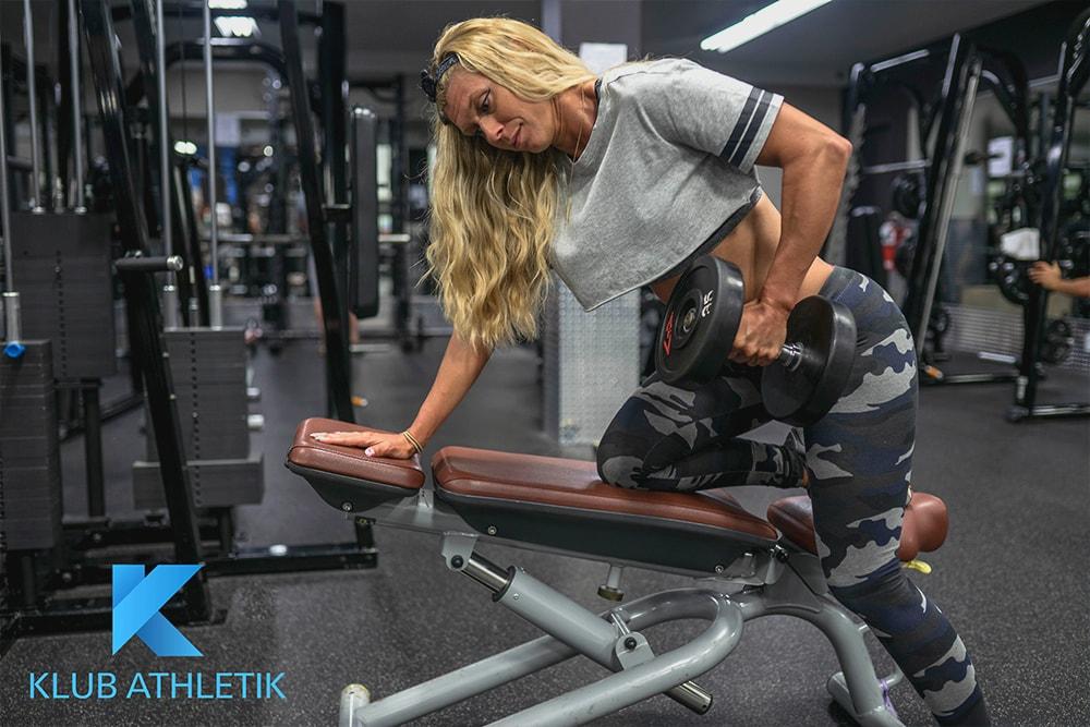 Lucie dumbbell row entraineur personnel terrebonne gym