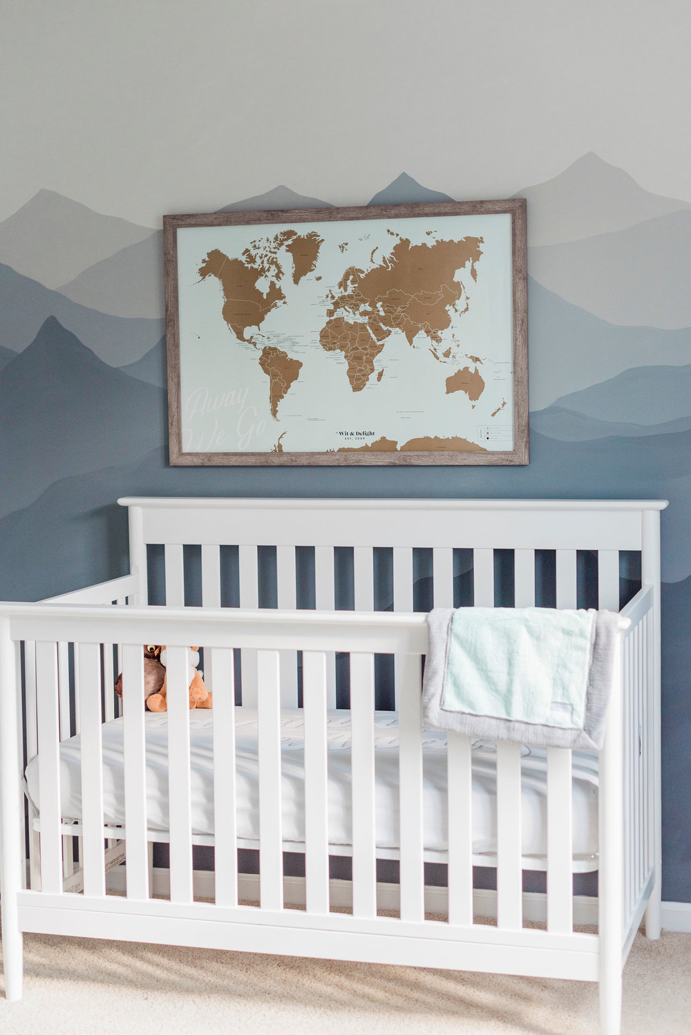 Crib:  Delta Children's Greyson