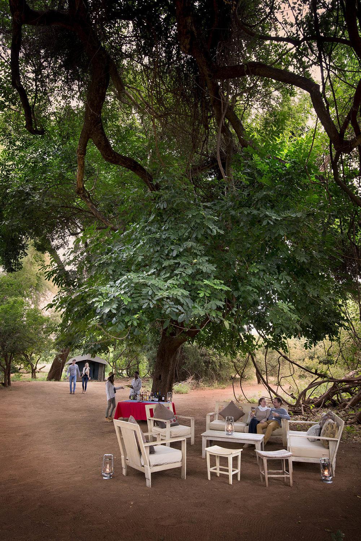Pafuri_090_trails_camp_lounge.jpg