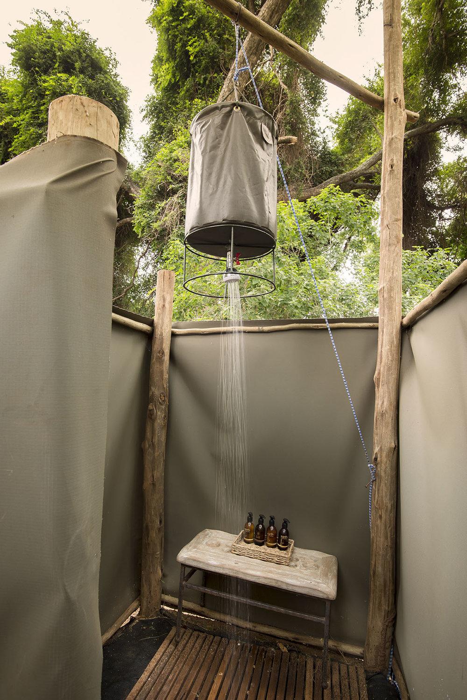 Pafuri_095_trails_camp_bucket_shower.jpg