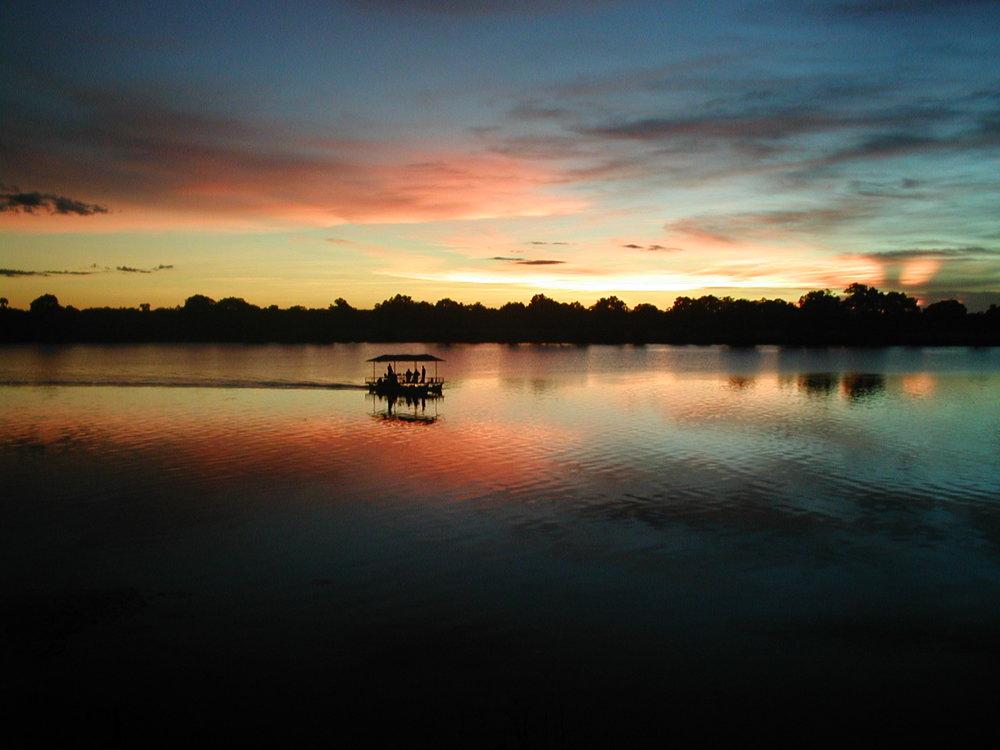Mukambi Safaris boat cruise.JPG