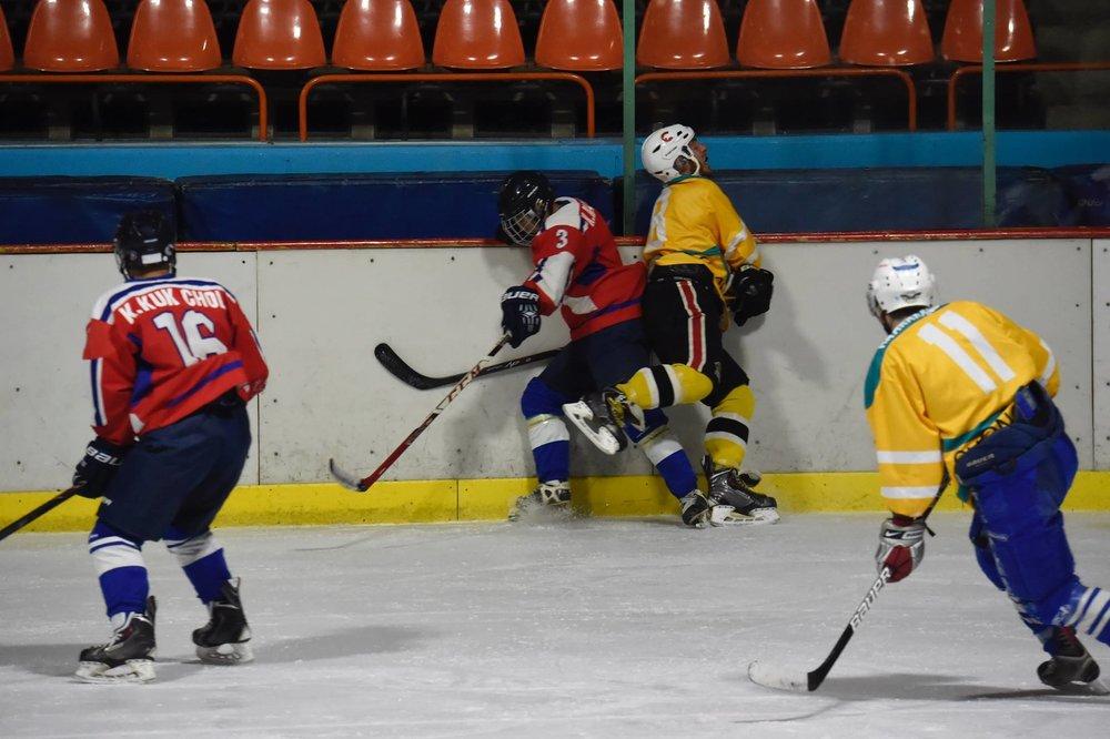 Yellow Blue White hockey uniforms jerseys socks