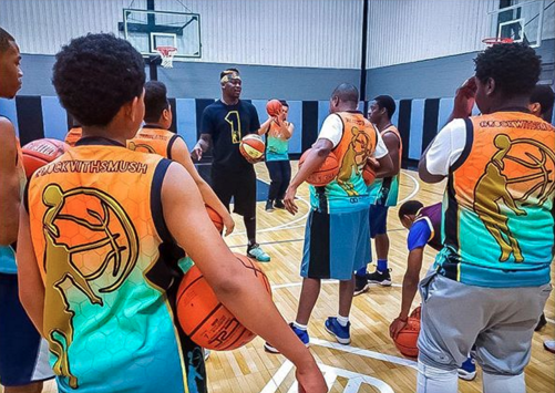 Last November Wooter Apparel became the official jersey sponsor of Smush Parker Elite, a series of free basketball clinics conducted by former NBA guard and 16-year pro Smush Parker. Focused on teaching fundamental skills and growth in the game, Parker has led clinics from Los Angeles, to Houston, Atlanta, Mississippi and New York in the past year.