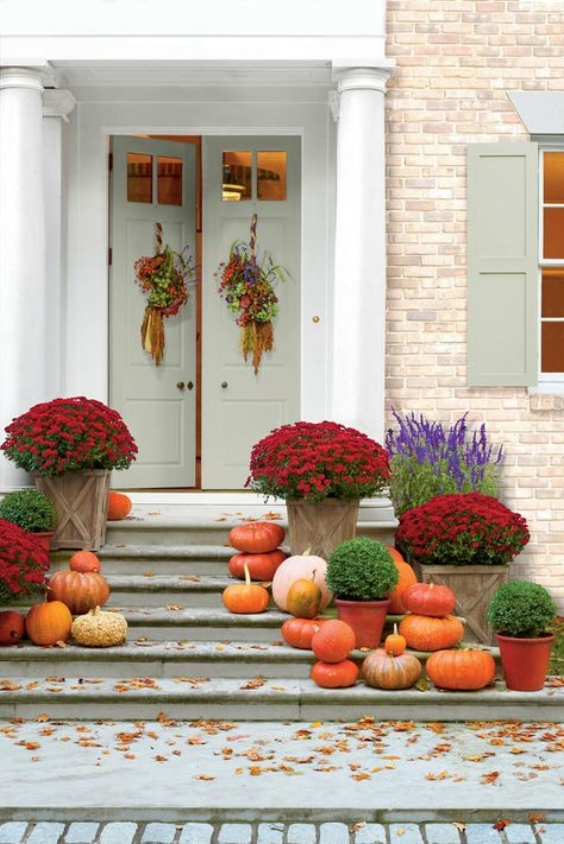 fall porch decorations with pumpkins
