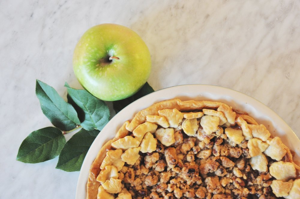 kris and kate studio_apple crisp pie 4