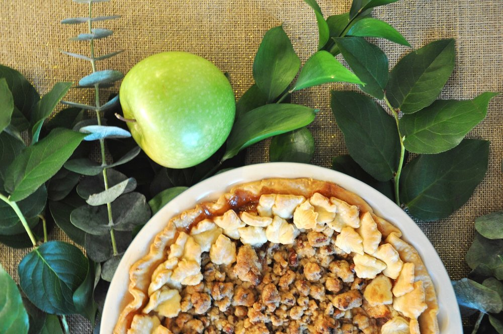 kris and kate studio_apple crisp pie 1