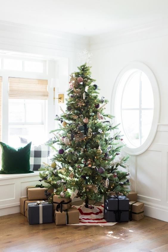 beautiful jewel toned christmas tree