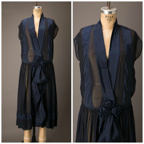 1920s blue flapper dress
