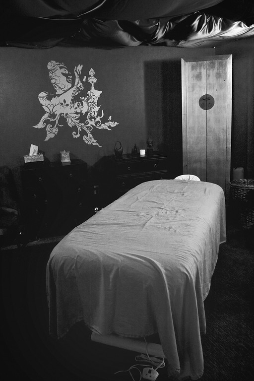 Austin Fitness Clinic - Massage Table 3.jpg
