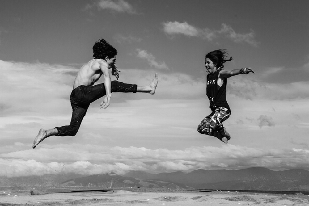 couple jump b+w clear.png