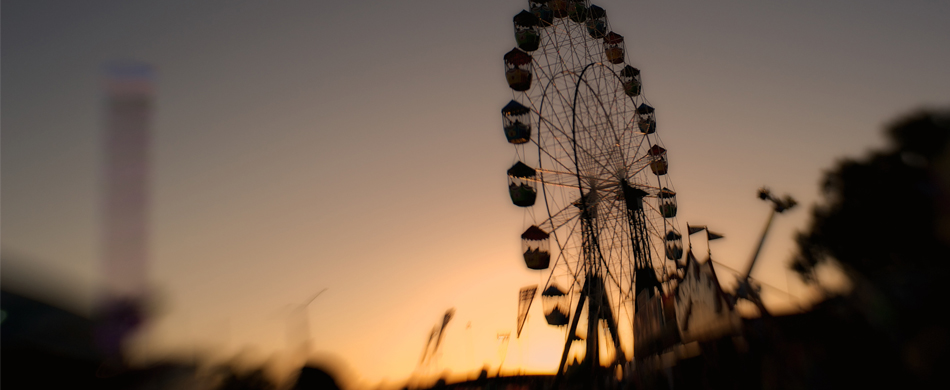 sydney ferris wheel-low light photography.jpg