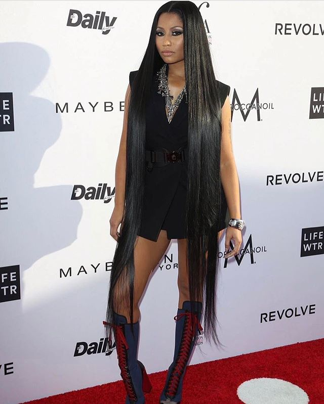 @dailyfrontrow Awards | @nickiminaj  Hair @tokyostylez  Styled by @maher_1  Makeup @etienneortega
