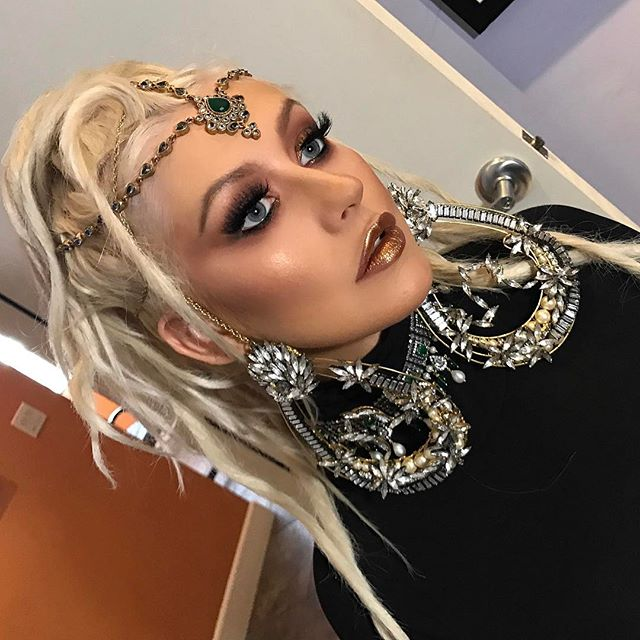 BTS with my chika @xtina ! Hair- @chrisappleton1  Styled- @simoneharouche  Makeup- @etienneortega