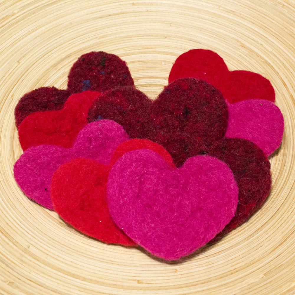 Bowl full of felt hearts (Star Magnolias)