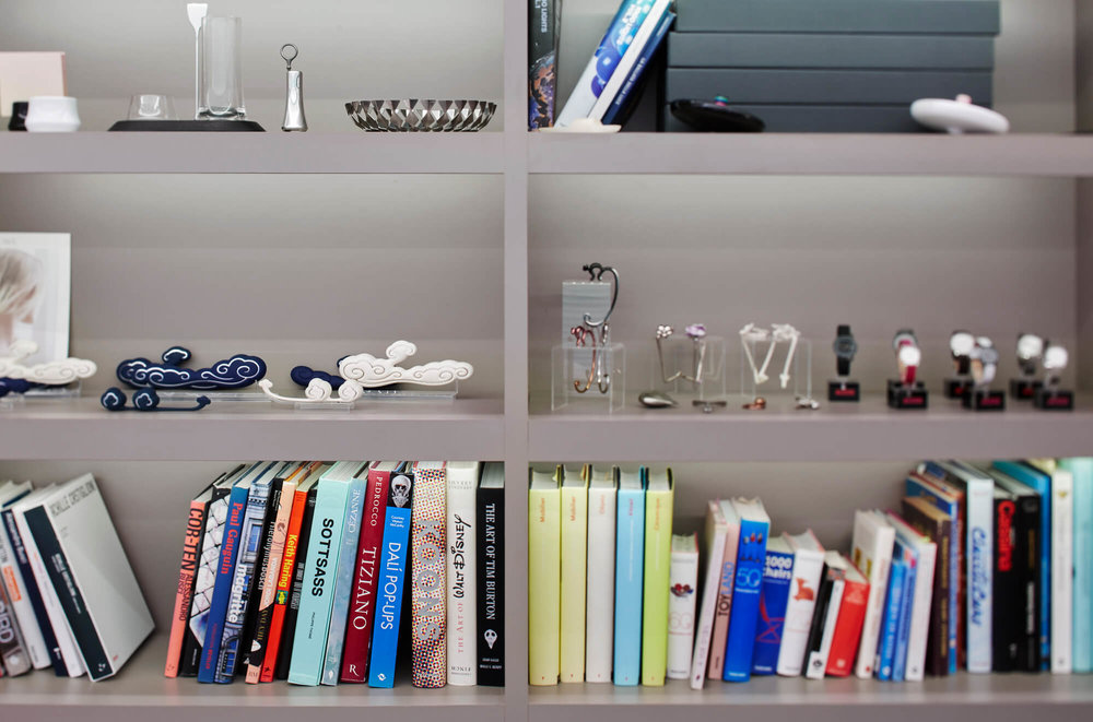 Studio-Gooris-products-and-books-on-shelf