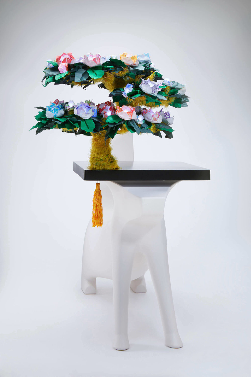 Magis-Magical tree-of-imagination-origami-LED-lamp-kid-furniture.jpg