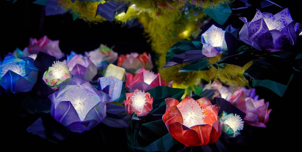 Magis-Magical tree-of-imagination-origami-LED-lamp-01.jpg