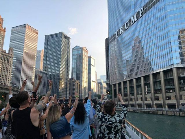 It's a Chicago tradition. 📸 @ballaccess #deportdonald #fucktrump #thisisstolen #chitecture