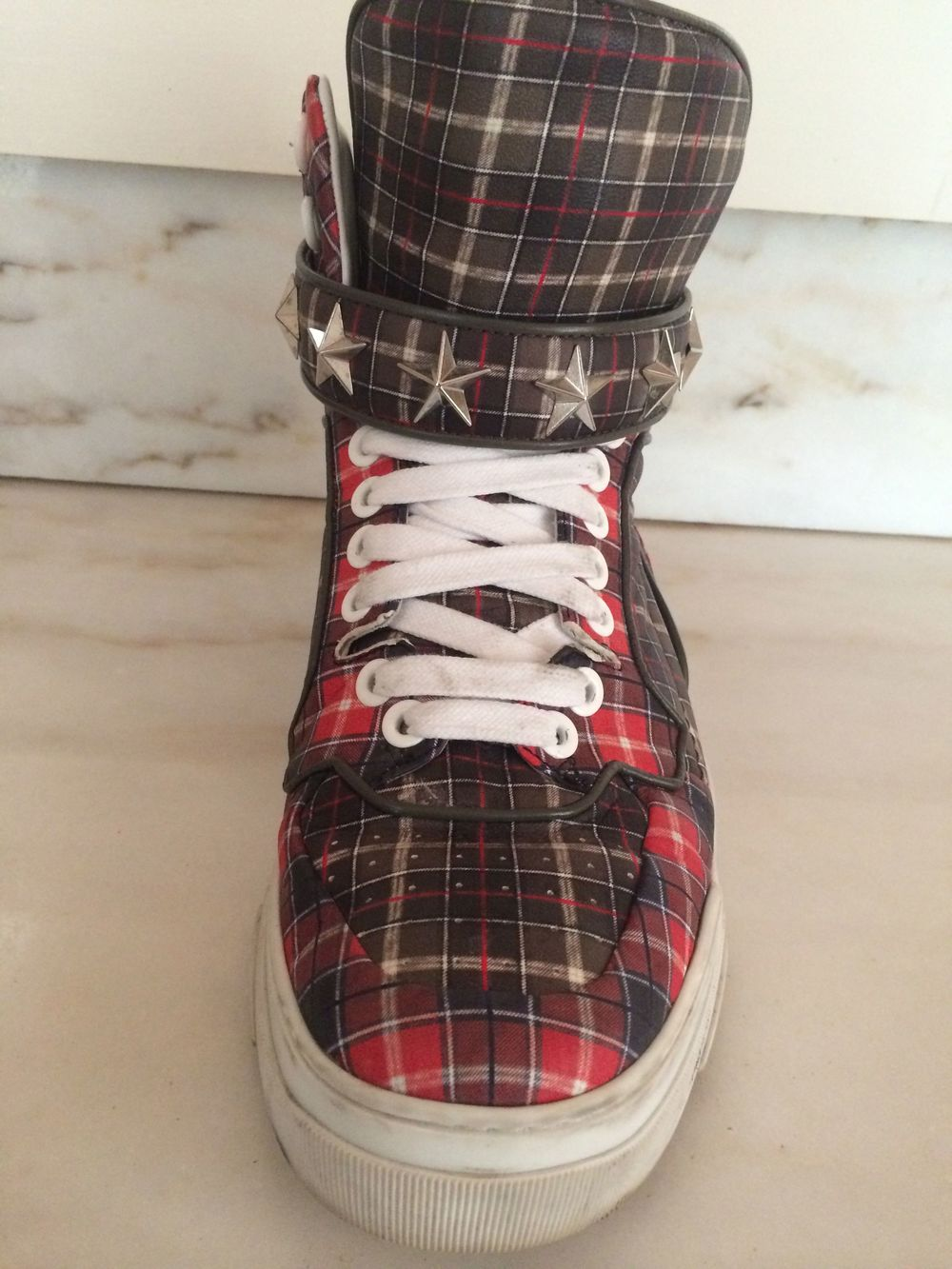 BLOG-RED PLAID SNEAKER