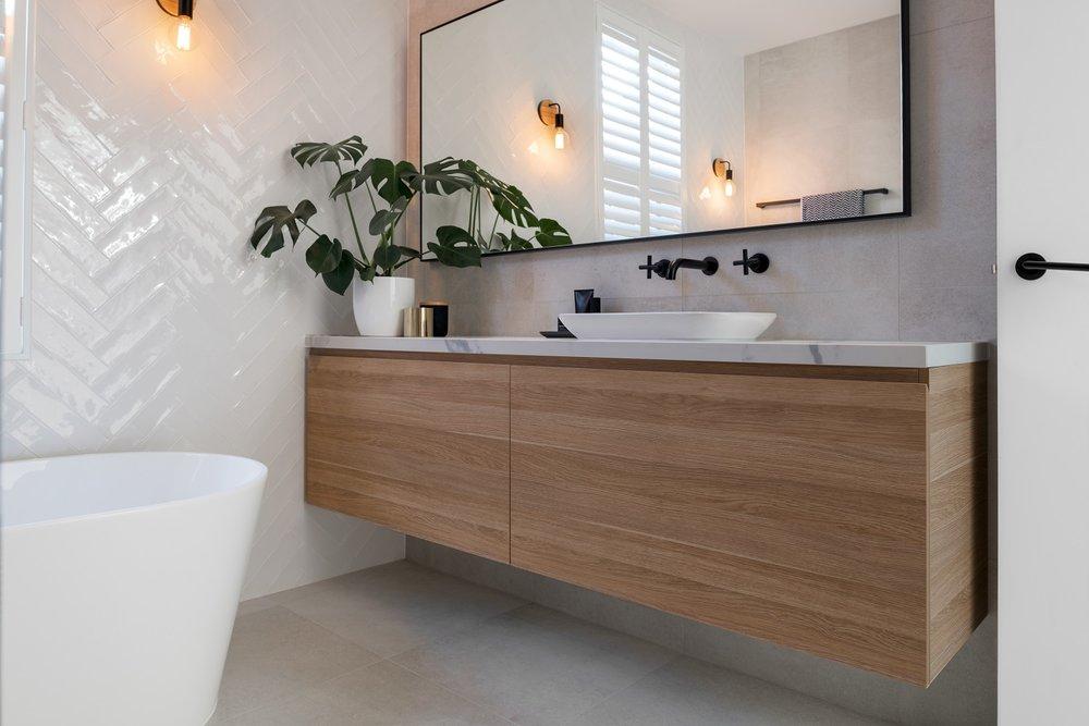 bathroom_vanity.jpg