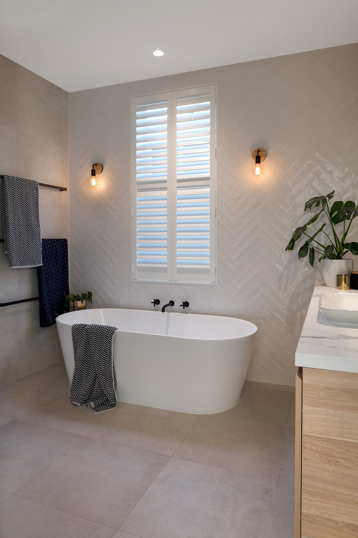 bathroom_freestanding_bath.jpg