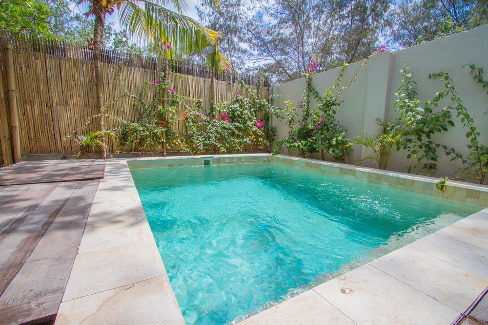 Huge pool - Avia Villa - Gili Meno