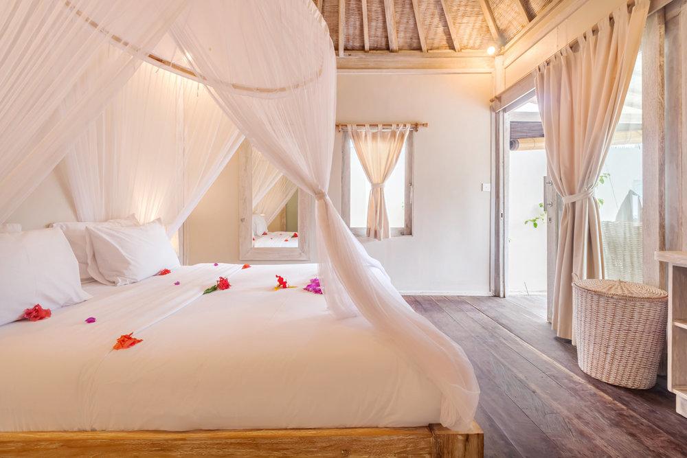 Luxury bedroom - Gili Meno - Avia Villa