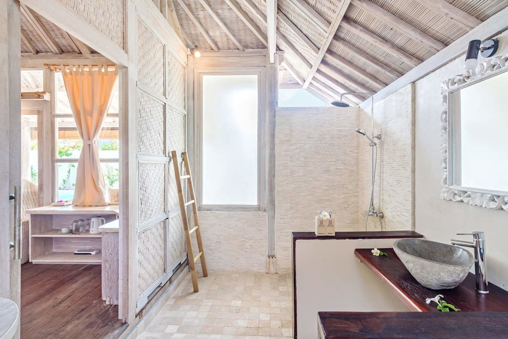 Luxury bathroom 2 bedrooms villa Avia Villa Resort - Gili Meno