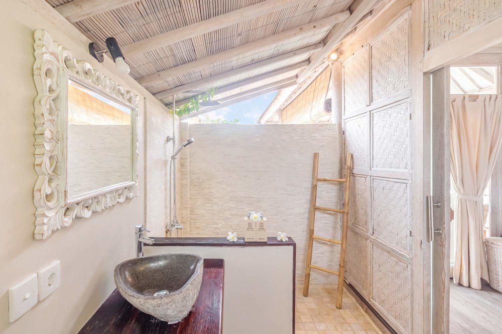 Luxury bathroom 2bedrooms villa -Avia Villa Resort Gili Meno