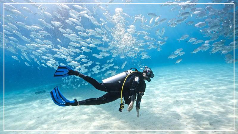 snorkeling-in-gili-meno.jpg