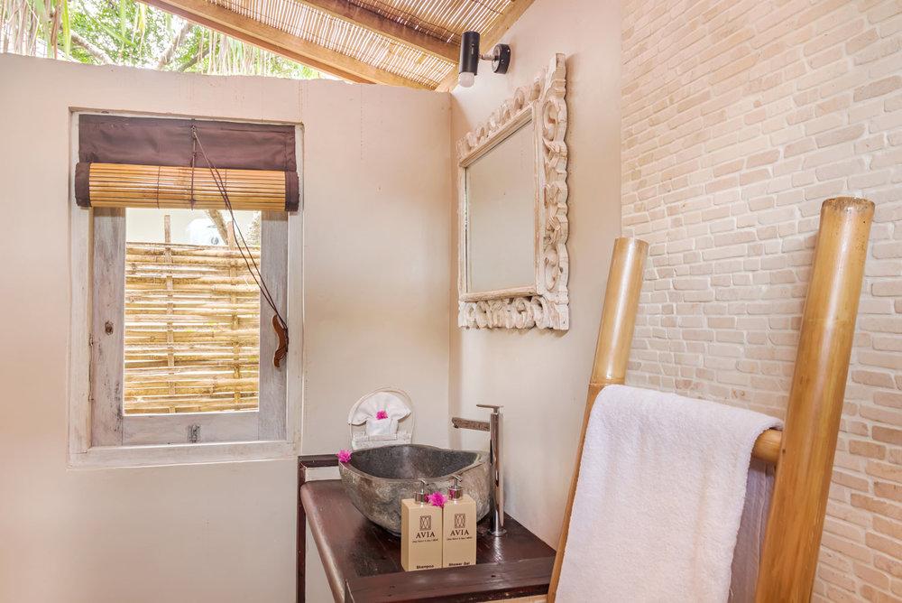 Bathroom-lux-AVIA.jpg