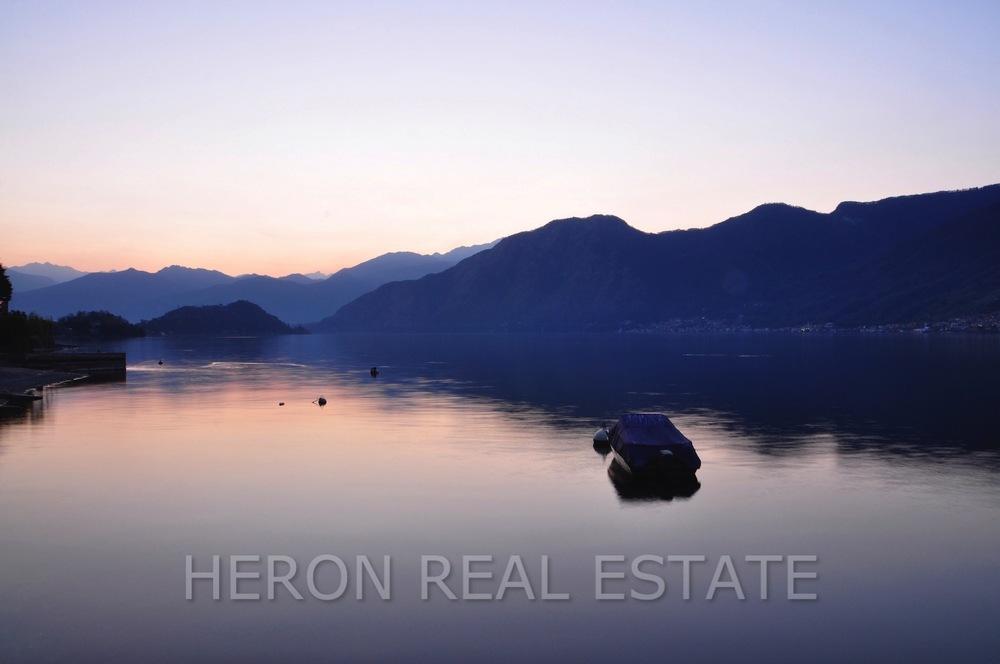 early morning on Lake Como