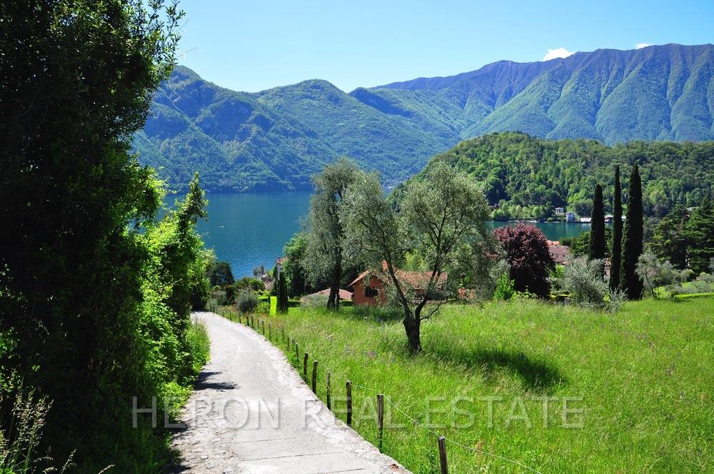 lake view in Mezzegra