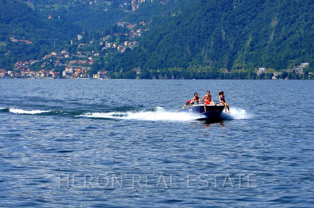 boat Lake Como