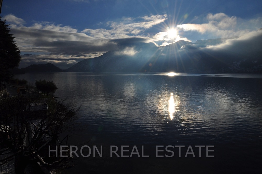 winter Lake Como