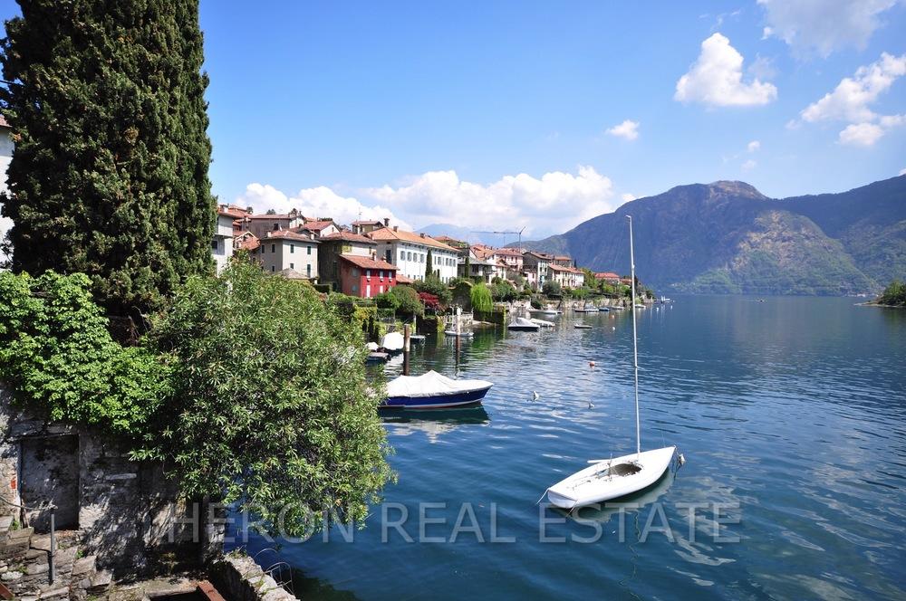 sailboat Lake Como